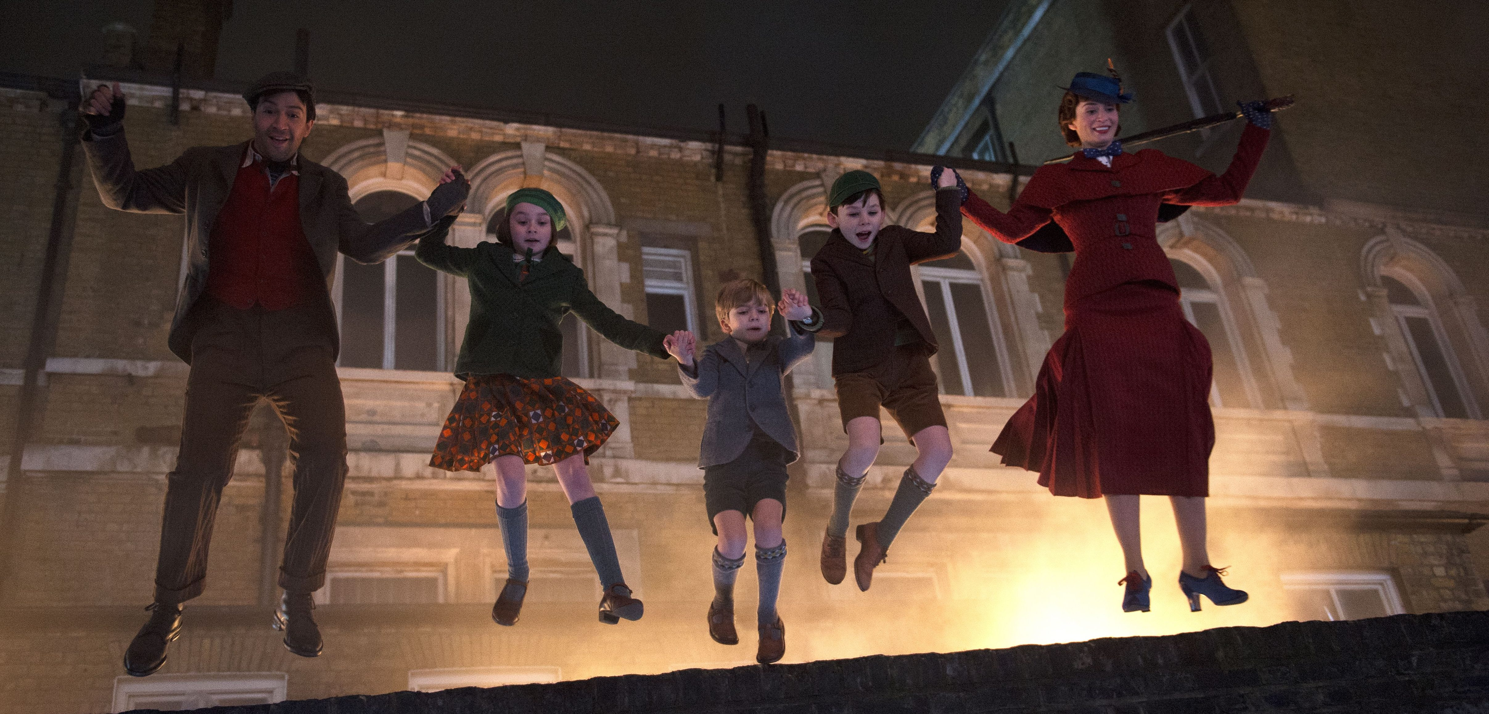 """""""Mary Poppins Returns"""" Promotional Images added"""
